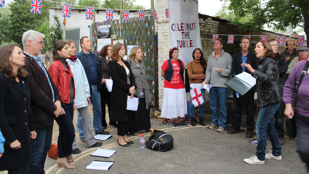 <p>The Jericho Singers gave a performance outside the boatyard gates on the Jubilee weekend in 2012.</p>